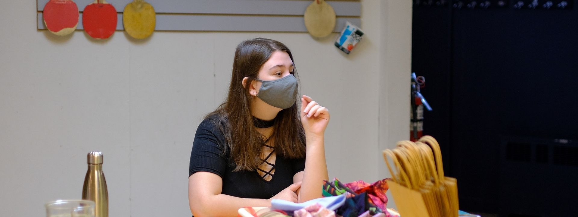 Atelier avec une jeune à L'Ancre des Jeunes
